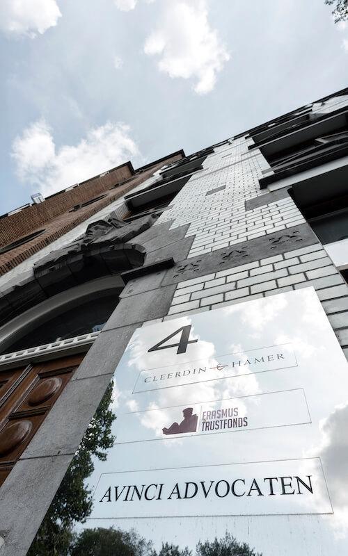 Ingang advocatenkantoor Avinci in Rotterdam
